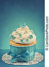 Forgetmenot cupcake - Cupcake with blue forgetmenot flowers