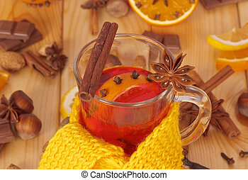 Mulled wine with scarf - Glass of mulled wine with yellow...