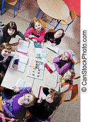 feliz, niños, grupo, escuela