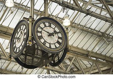 Clock at Waterloo station - Iconic clock at Waterloo...