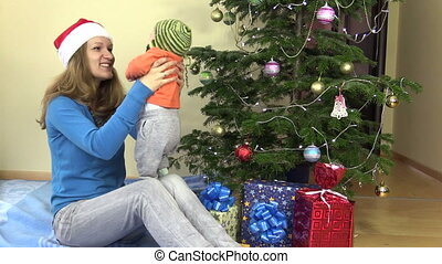 mother baby christmas