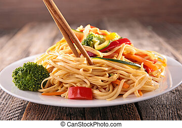 asian cuisine,noodles and vegetables