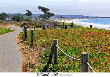 Half Moon Bay - Coast Half Moon Bay. California, USA