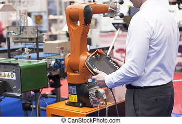 Programming and operating the robotic arm - Robotic arm for...