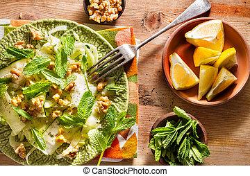 Fennel salad - Healthy eating: raw fennel salad with...