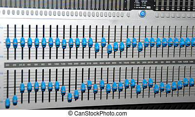 Sound Recording Equipment (Media Equipment) - Audio effects...
