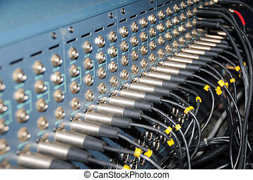 Studio xrl cables patch panel. - Mixing Sockets. Connections...