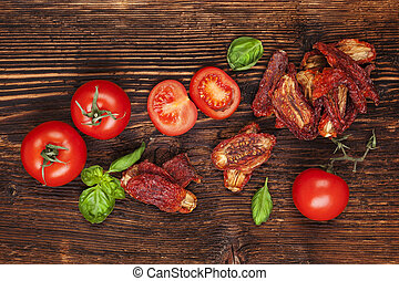 Sundried tomatoes - Delicious sundried, fresh tomatoes and...