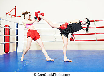 muai thai fighting women - muai thai women fighting at...