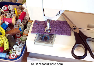 Sewing machine and accessories - Electric sewing machine and...