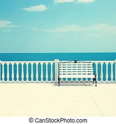 blanco, banco, balaustrada, y, vacío, terraza, el...