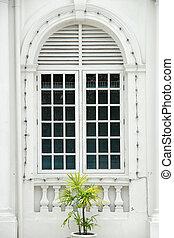 Colonial door - closed