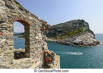 Palmaria island and stone window - foreshortening of...