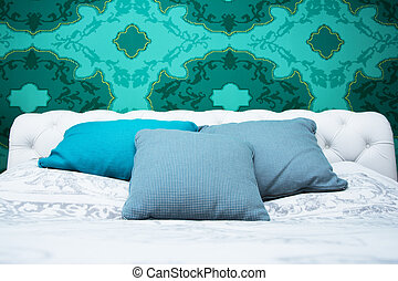 Turquoise blue and white bedroom - Bedroom design with...