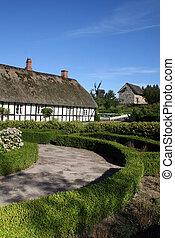 farm house danish denmark - Traditional danish farm house or...