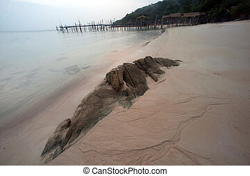 Traditional wooden bridge on the beach. - Ao Lungdam beach...