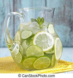 fruta, agua, en, vidrio, cántaro,