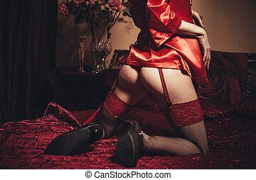 穿, 黑發淺黑膚色女子, 微少, 床, 婦女, 矯柔造作, 女內衣, 性感, 夫人, 色情