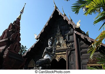 Wat Chedi Luang temple in Chiang Ma