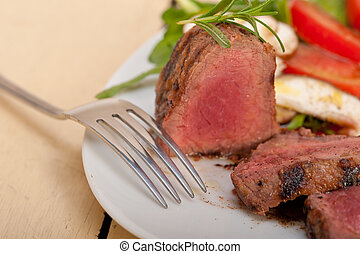 beef filet mignon grilled with vegetables - beef filet...