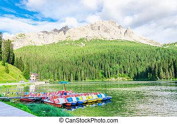 Lac, Misurina, dans, Dolomites, sud, Tyrol, Italie,