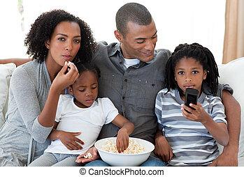 afroamericano, familia, Mirar, película, hogar