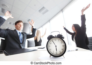 end of workday - team rejoices at the end of workday