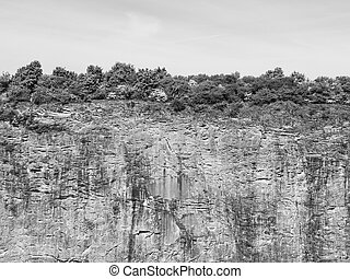 End of the World, vertical stone wall of old lime quarry...