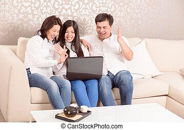 Gaworząc, Na, skype, rodzina, Na, dom,