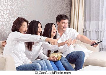 rodzina, dom, Na, Telewizja, Oglądając, filmy,