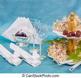tableware, flowers chestnut - cutlery, Cake vase, wine...