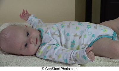 masseur baby body - zoom out of masseur make relaxing...