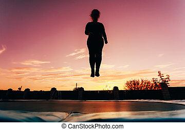 hermoso, mujer, silueta, trampolín, joven, Saltar, más,...
