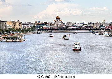 excursion boats near Krymsky Bridge, Moscow - excursion...