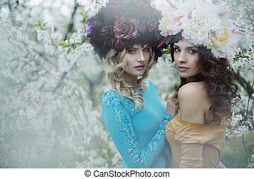 dos, adorable, mujeres, Llevando, inmenso, chaplets,