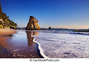 Cathedral Cove, New Zealand - Hoho Rock, Cathedral Cove,...