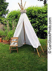 Backyard play tent - Small play tent for children in a...