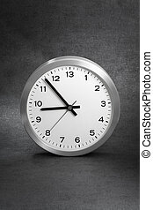 Need more hours? - Clock with 13 hours instead of 12.