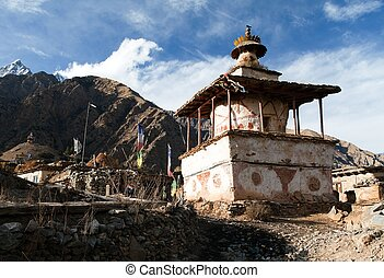 Ringmogaon - Phoksundo trek - Lower Dolpo - Village in...