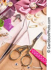 Scrap details - Scrapbooking craft materials, scrap paper,...
