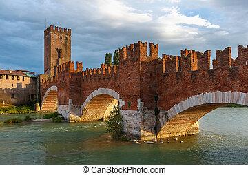 Castelvecchio at suset in Verona, Italy - Castelvecchio at...