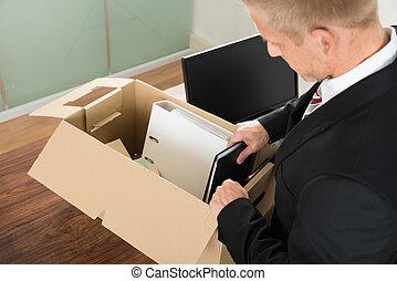 homem negócios, embalagem, arquivos, em,...