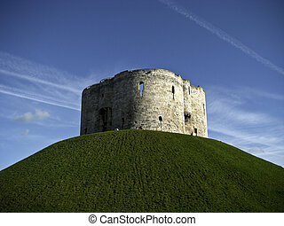 York, Clifford\'s Tower - Clifford\'s Tower in York, England...