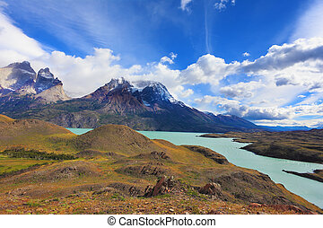 Beautiful morning in Patagonia - The river and the...