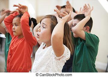 grupo, de, niños, el gozar, drama, clase, juntos,