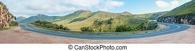 Panorama of the Robinson Pass - Robinson Pass over the...