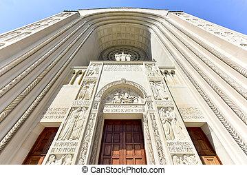Basilica of the National Shrine Catholic Church - Washington...