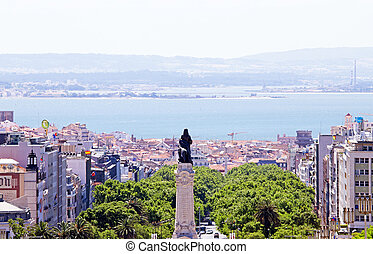 Statue Eduardo VII  and overview from Lisbon, Portugal