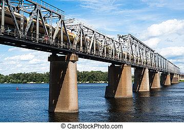 鐵路, 橋梁, 在, Kyiv, 橫跨, the, Dnieper, 由于,...