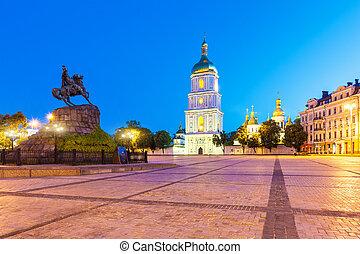 abend, Szenerie, von, Sofia, Quadrat, in, Kyiv, Ukraine,